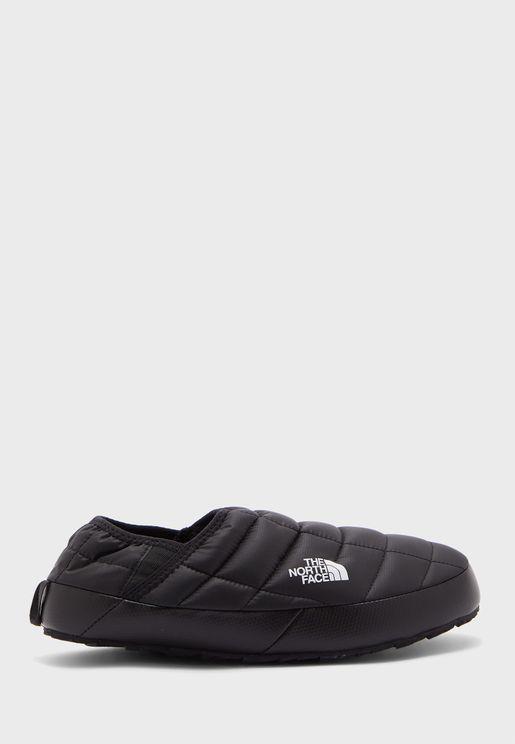 حذاء مقاوم للماء