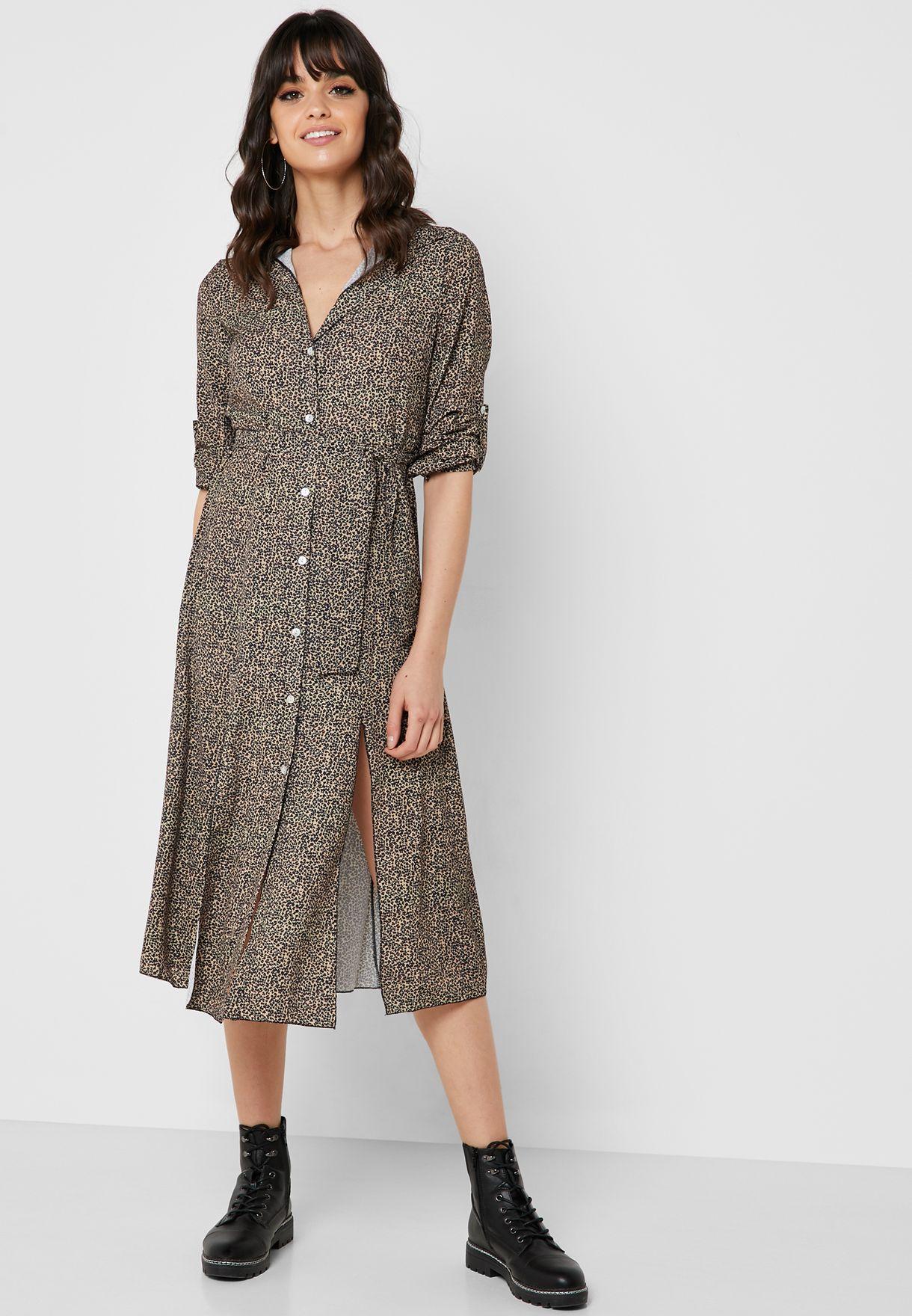 فستان بنمط قميص مع اربطة وطبعات ليوبارد