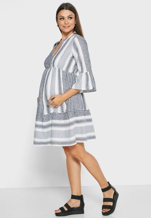 فستان مطبع مكشكش الاطراف