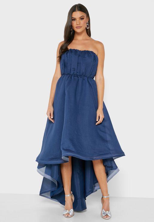 فستان بحواف متباينة الطول