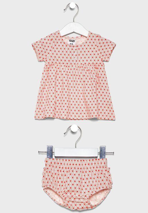 طقم هدايا للرضع (فستان + سروال للحفاض)