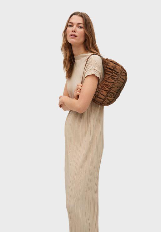 فستان ميدي بياقة دائرية