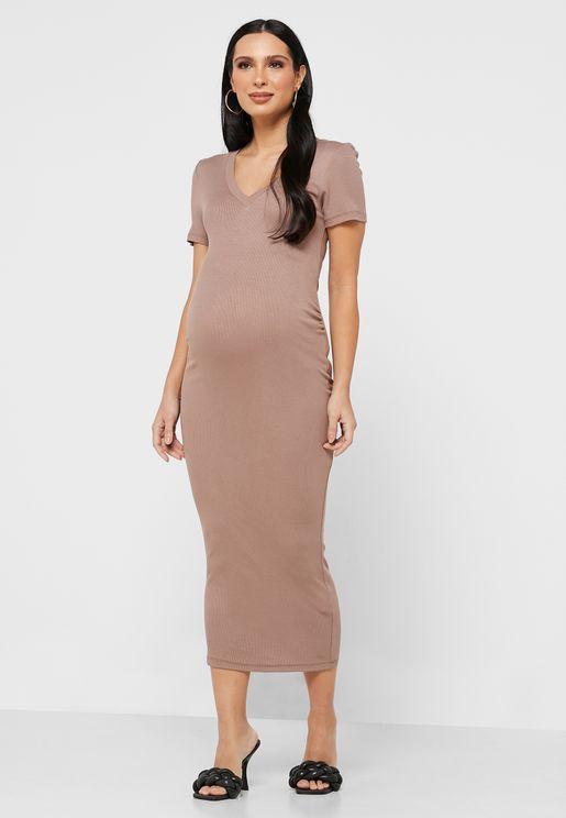 فستان محزز بشعار الماركة