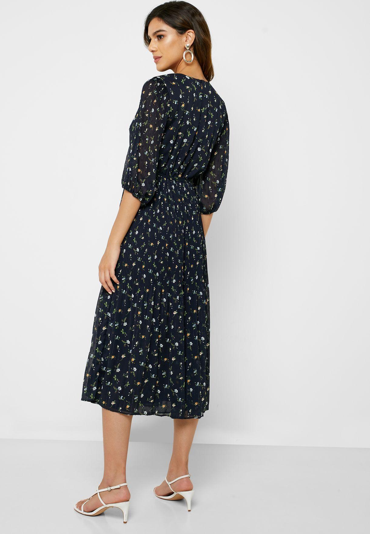 فستان بطبعات ازهار واربطة