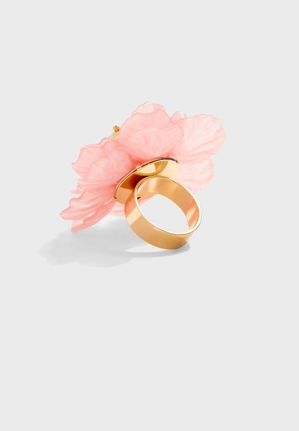 خاتم وردة كبير