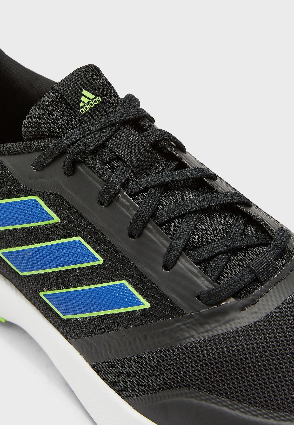 حذاء نوفا فلو