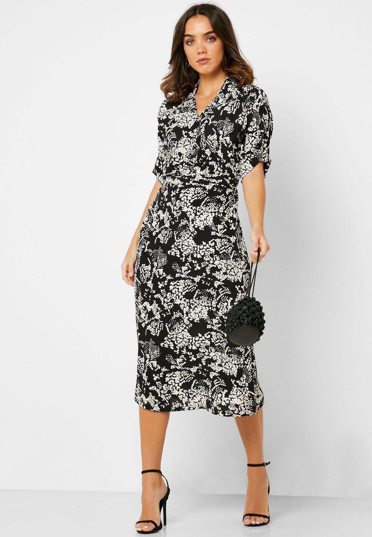 فستان بخصر مطاطي