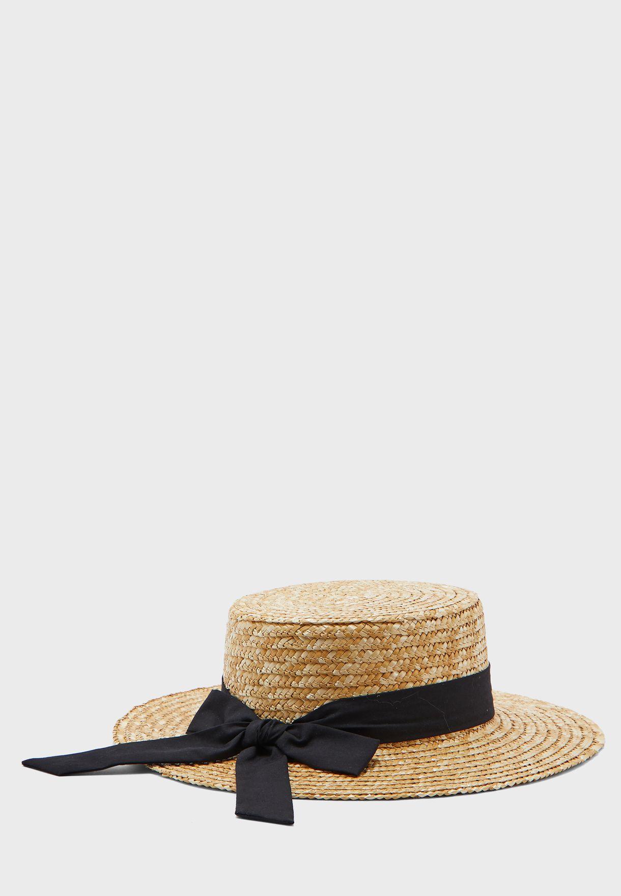 قبعة قش بفيونكة