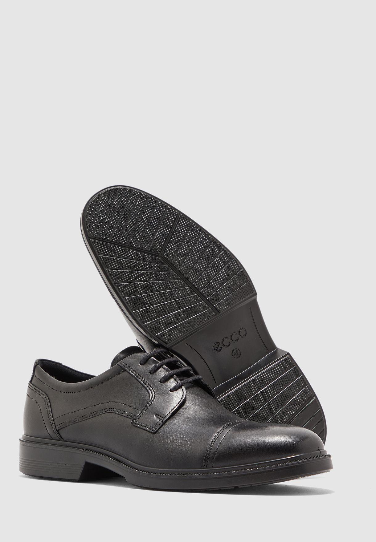 حذاء بتقنية فلويد فورم