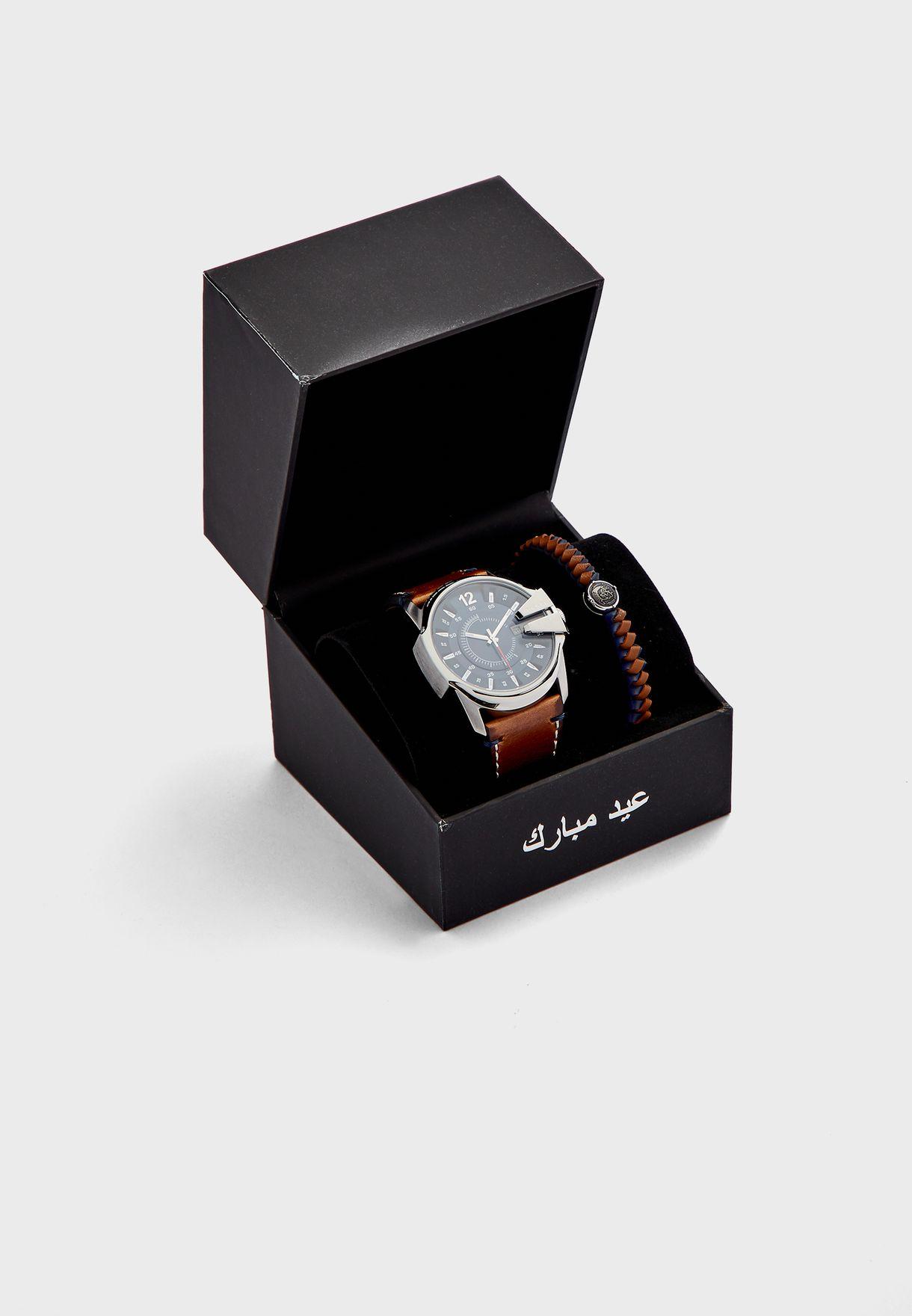 DZ1925 Master Chief Analog Watch & Bracelet Gift S