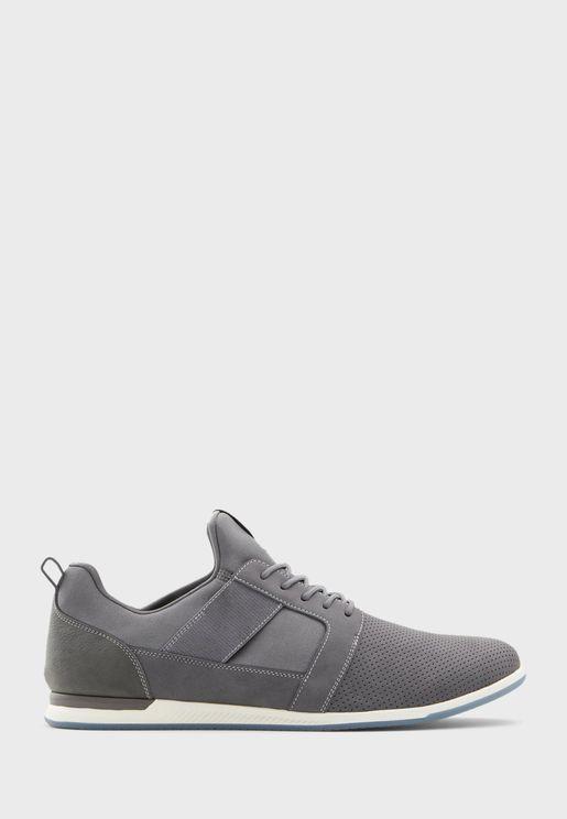 Moonah Low Top Sneaker