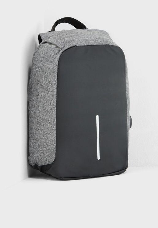 حقيبة ظهر بمنفذ كايبل و USB