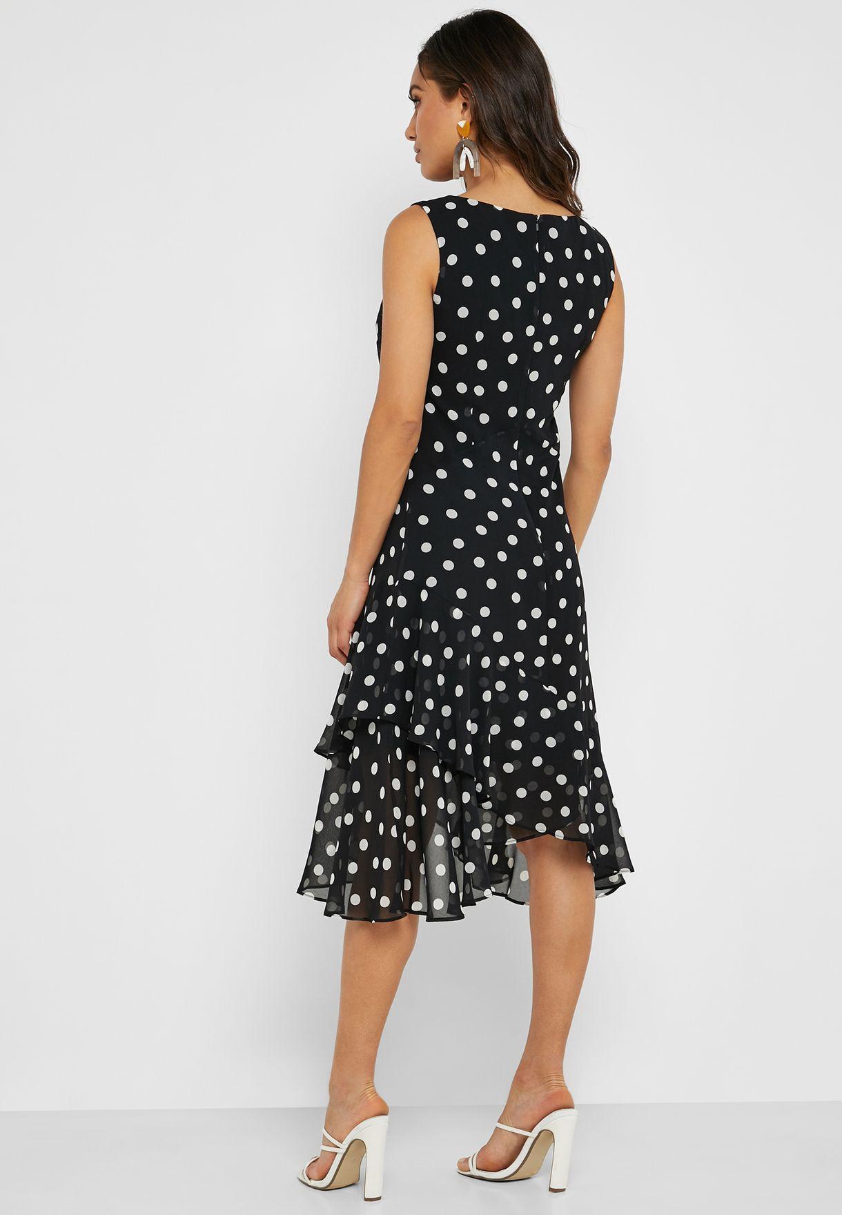 فستان منقط