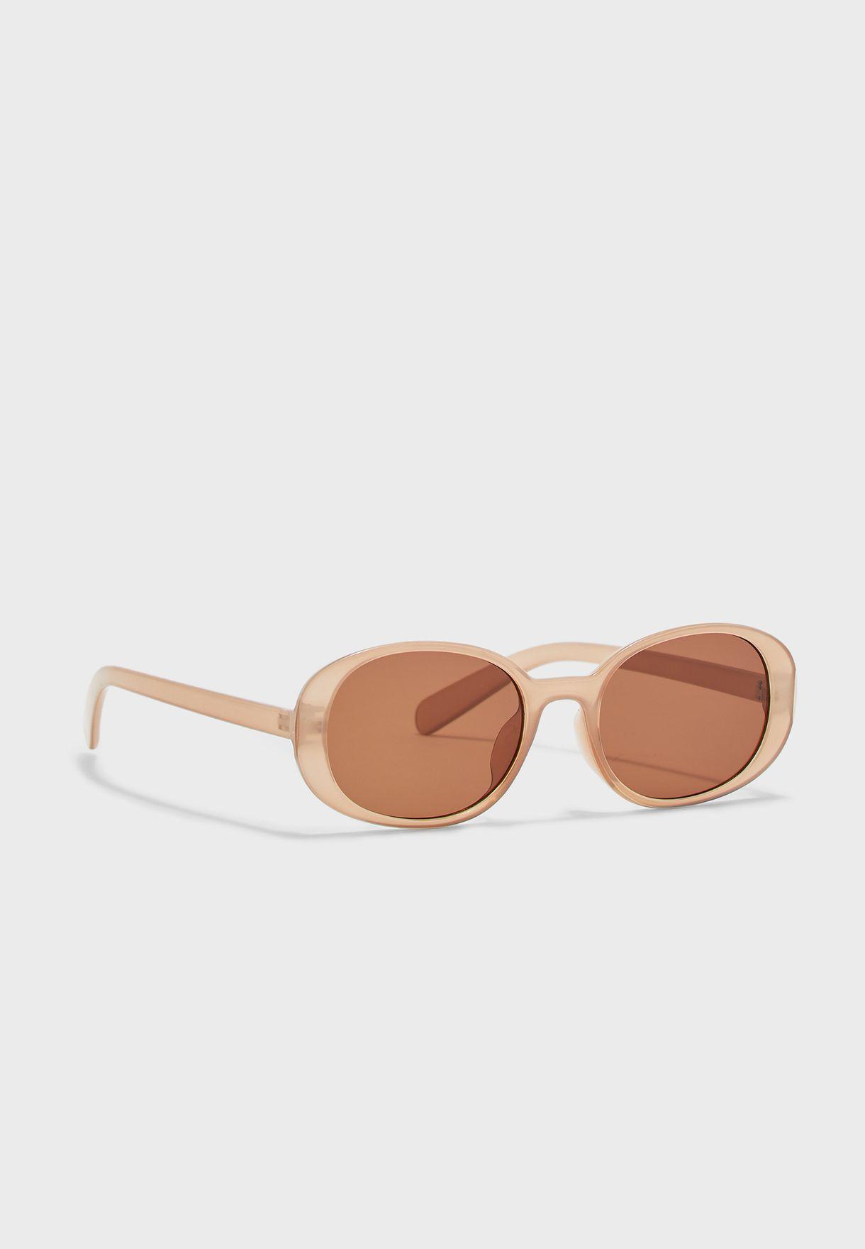 نظارة شمسية ريترو كبيرة