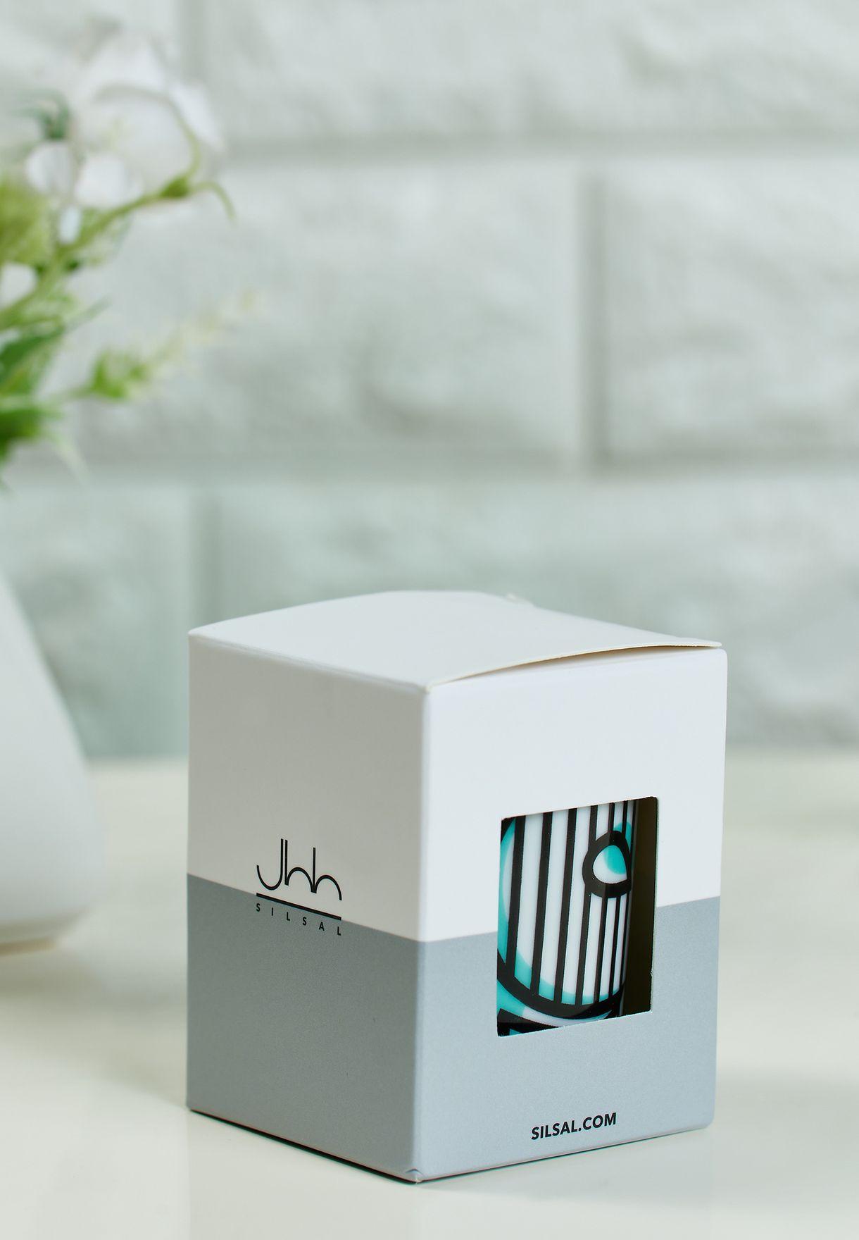 شمعة عطرية مزين بحرف (و) - 60 جم