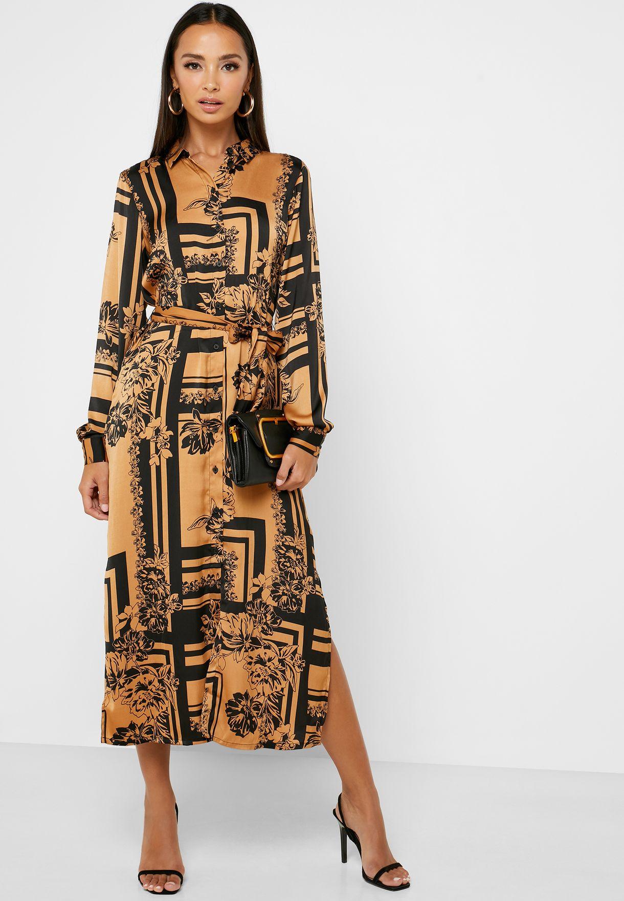 فستان بطبعات مع اربطة
