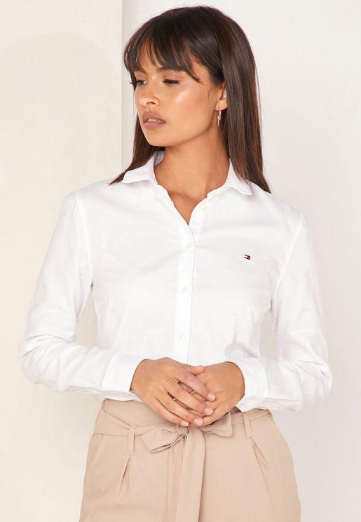 قميص بشعار الماركة