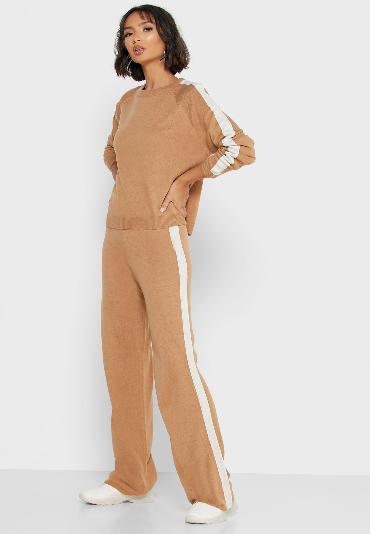 Contrast Side Paneled Pants Set