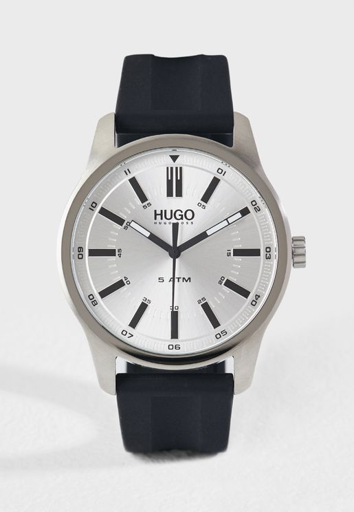 1530079 Analog Watch