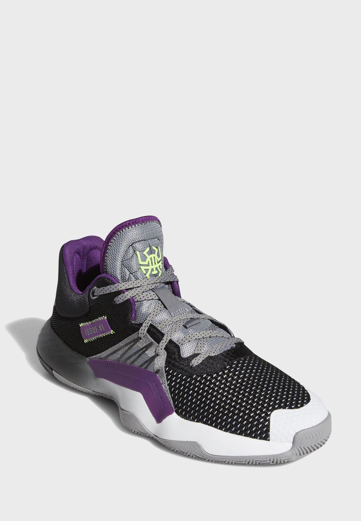 حذاء من مجموعة دونوفان ميتشل