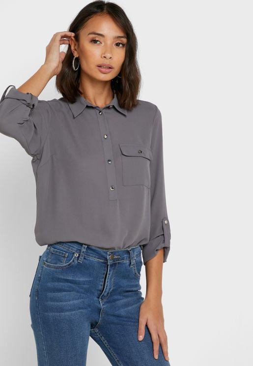 قميص بياقة كلاسيكية