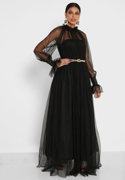 فستان بأكمام شبكية
