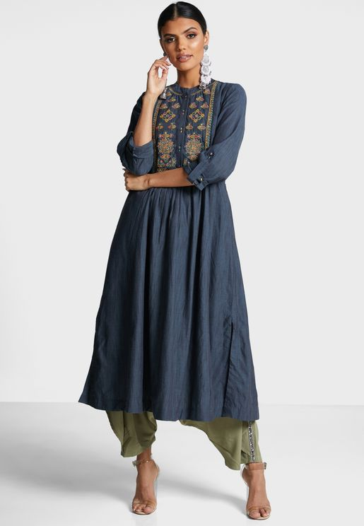 Embroidery Detail Pleated Kurti