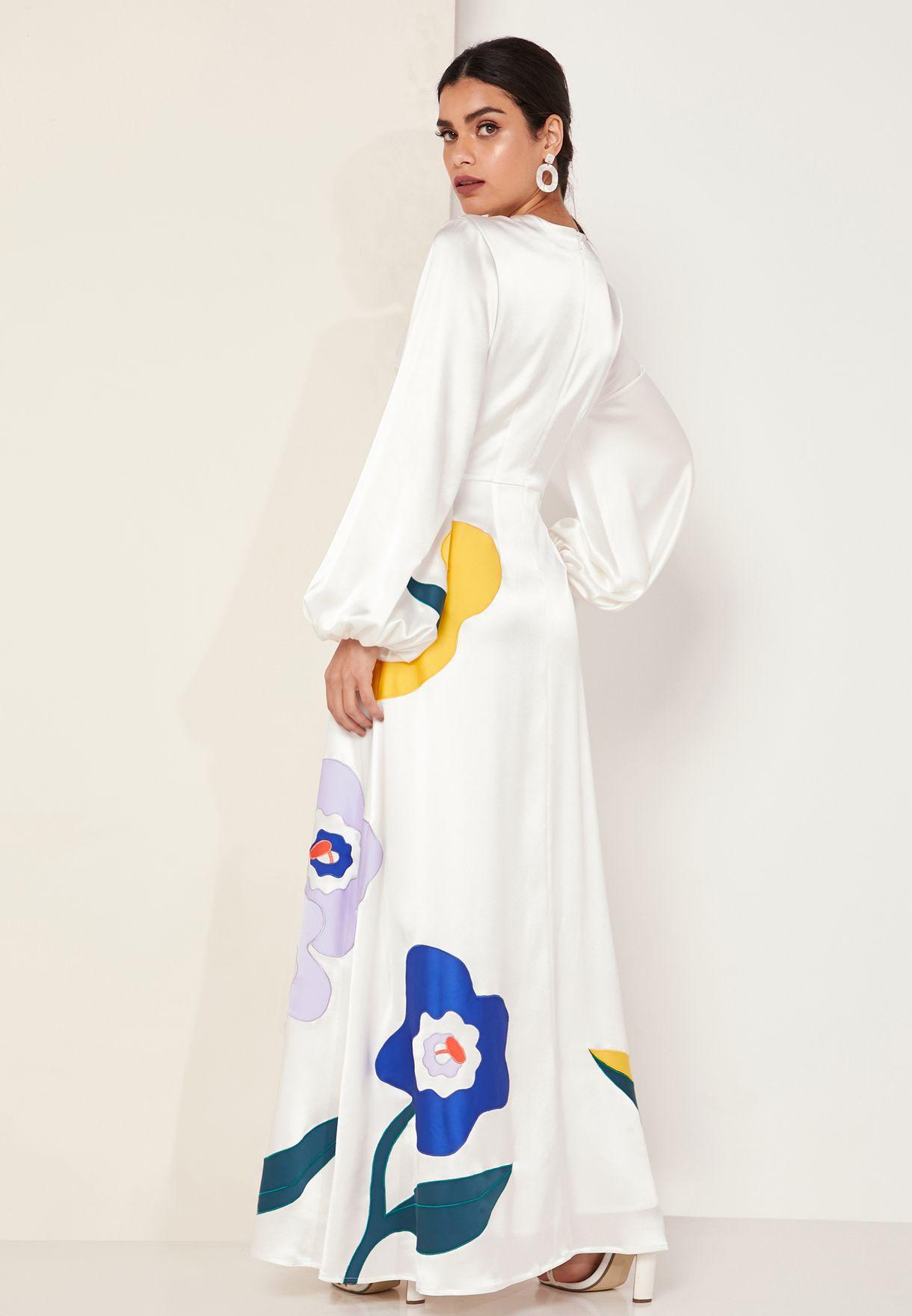 فستان ماكسي مزين بازهار مطرزة