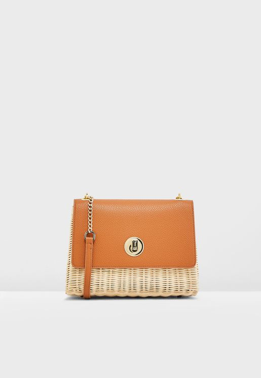 Elava Straw Circle Lock Crossbody