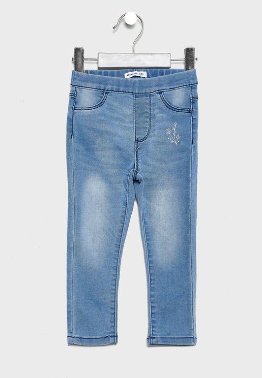 جينز ضيق بخصر مطاطي