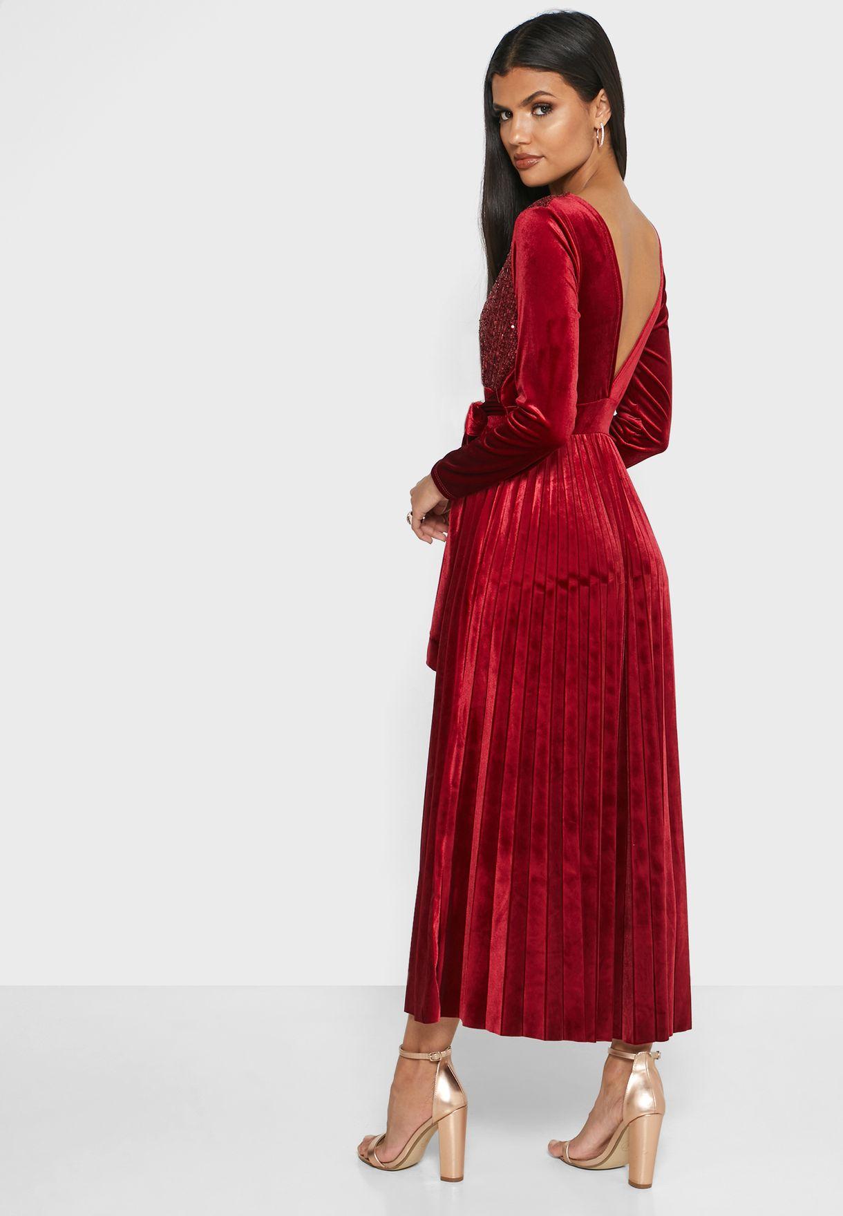 فستان مخملي ماكسي لف مزين بترتر