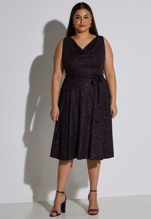 فستان لامع بياقة منسدلة