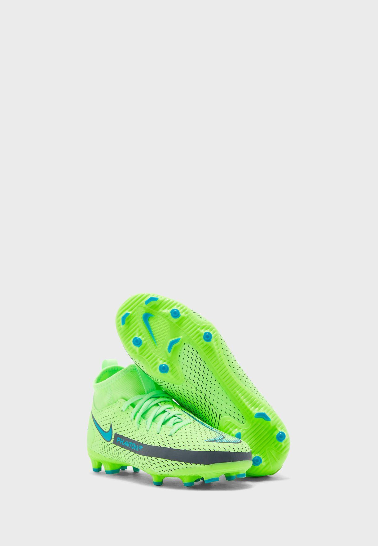 حذاء فانتوم جي تي أكاديمي دي اف  للاسطح الصلبة