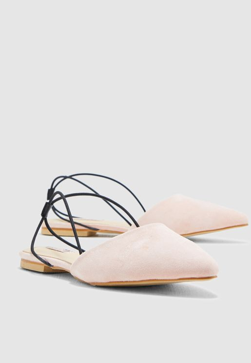 ddb37291b562 Pointed Toe Ballerina With Elastic Straps
