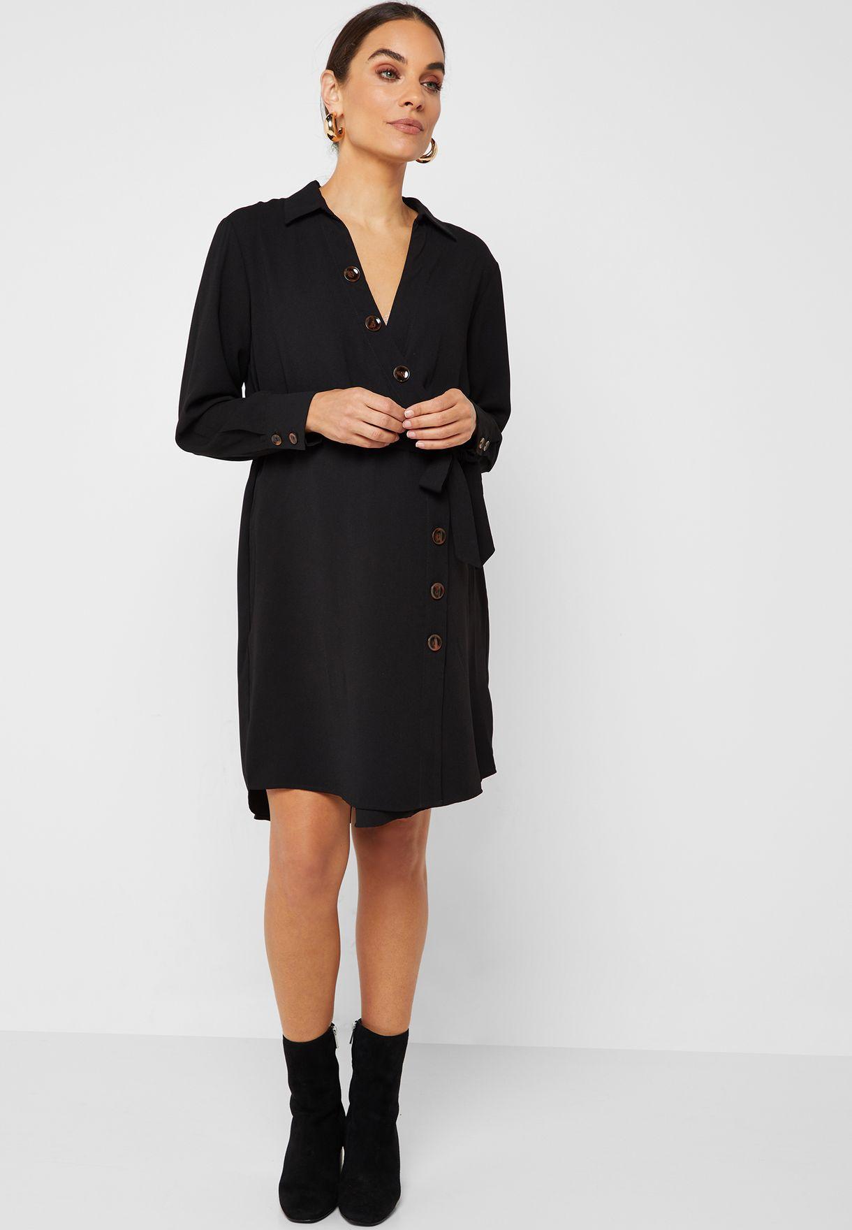 فستان بنمط قميص بازرار