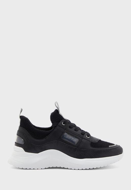 Ultra Low Top  Sneaker