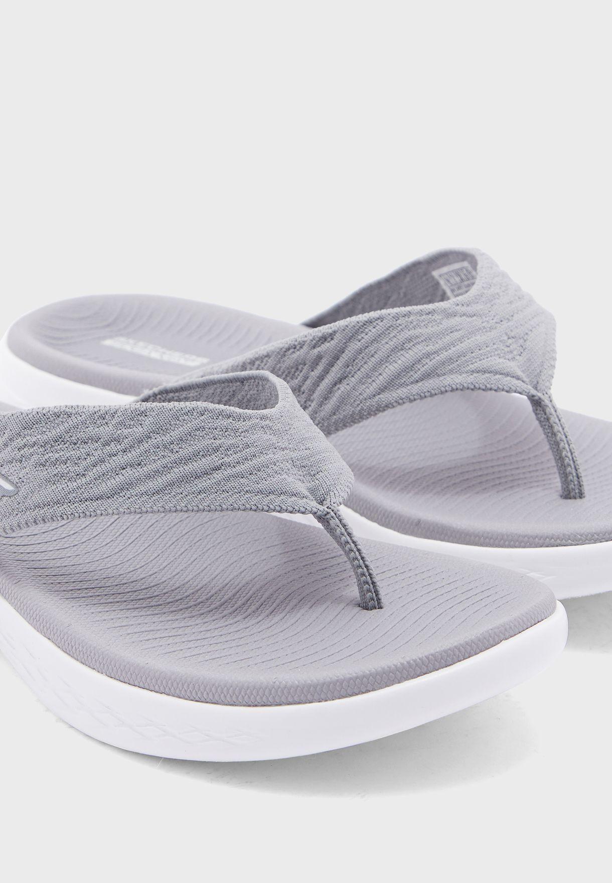 حذاء اون ذا غو 600 - صوني