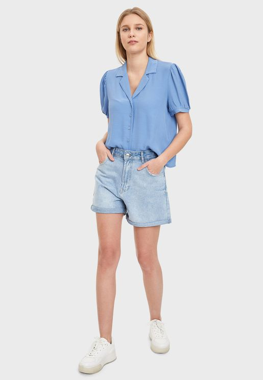 شورت جينز قصير