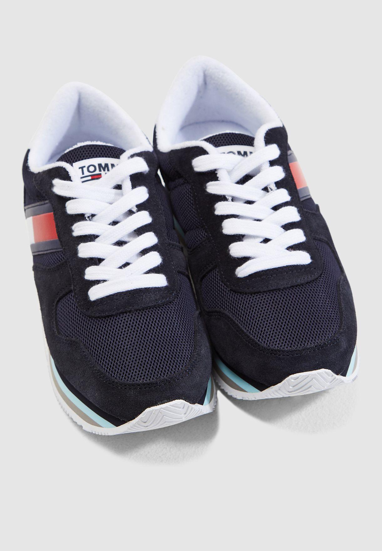 حذاء سنيكرز رترو