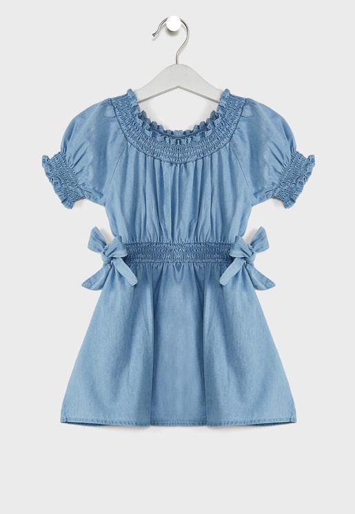 فستان بخصر مطاطي وياقة دائرية