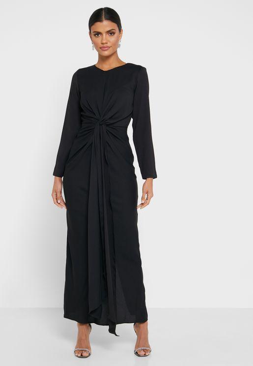 فستان بعقدة من الامام