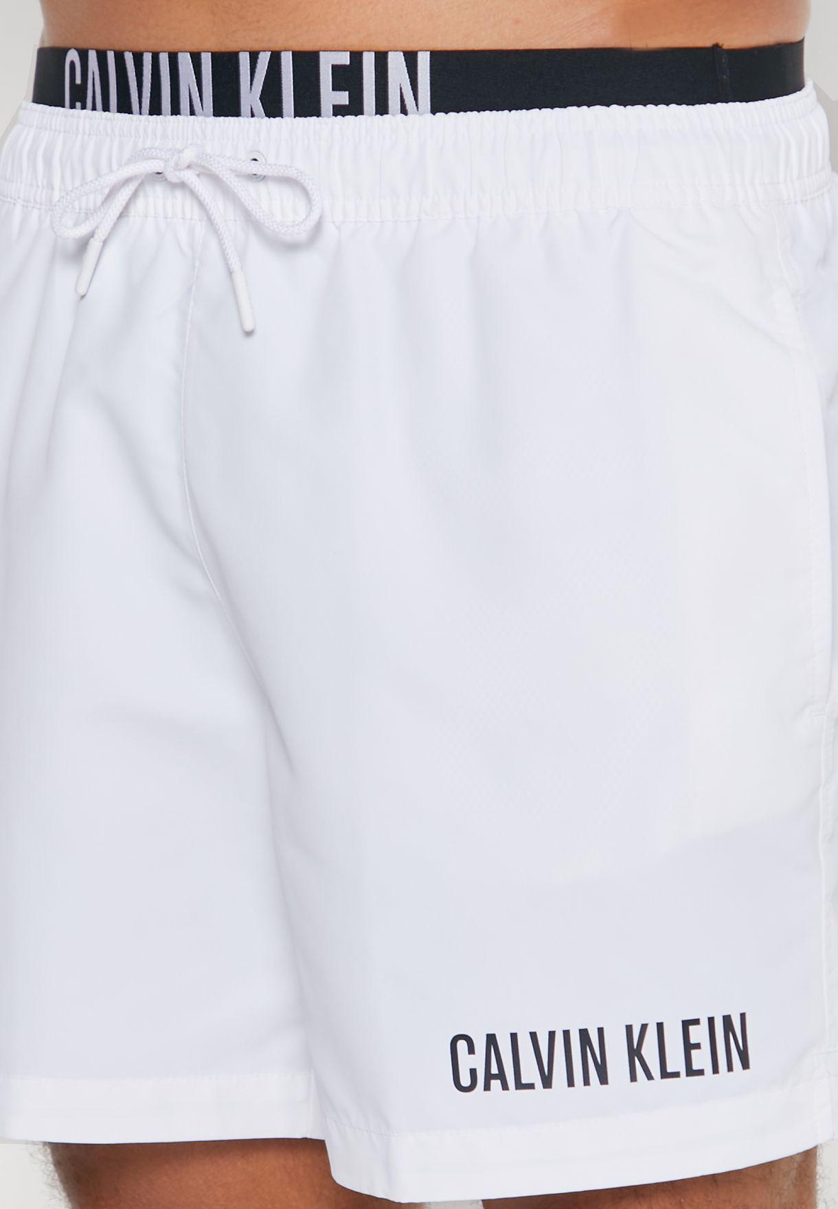 شورت كاجوال بشعار الماركة