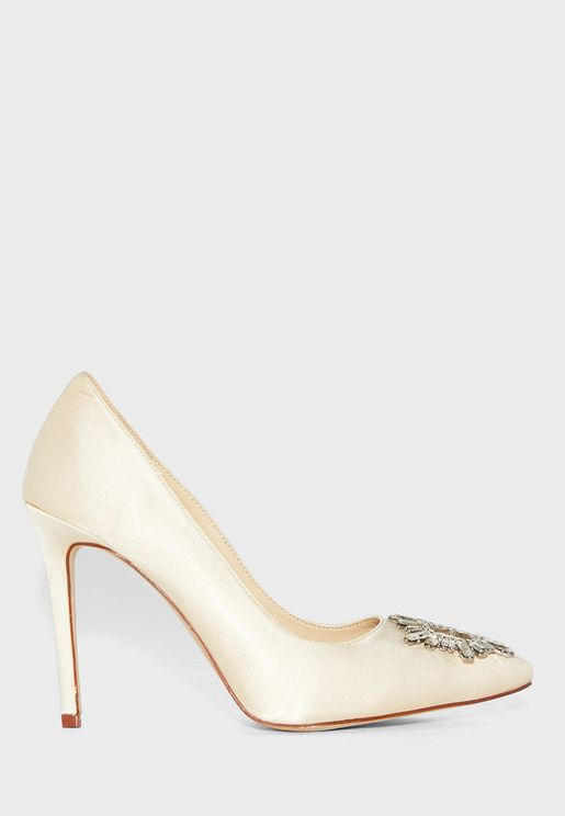 Pointed Stiletto Brooch Detail Pumps