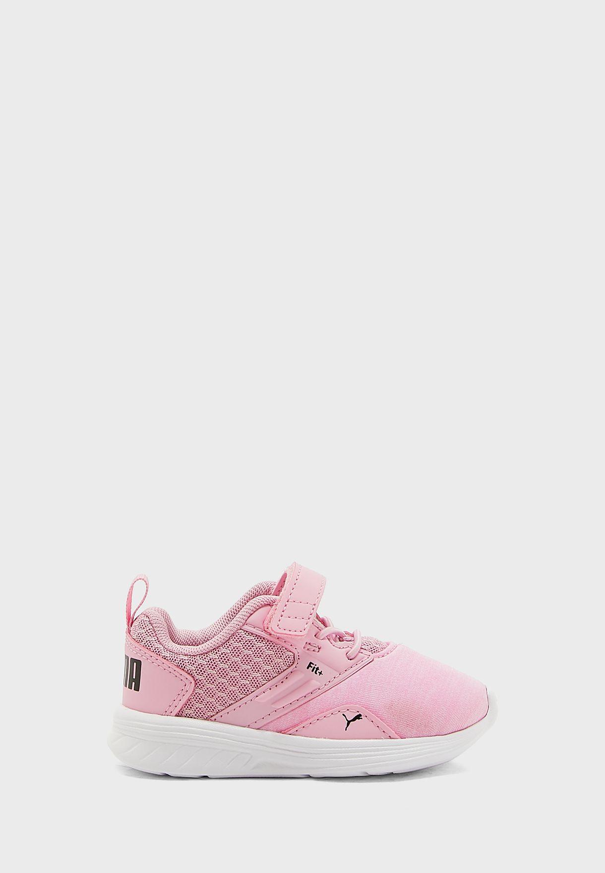 حذاء كوميت في