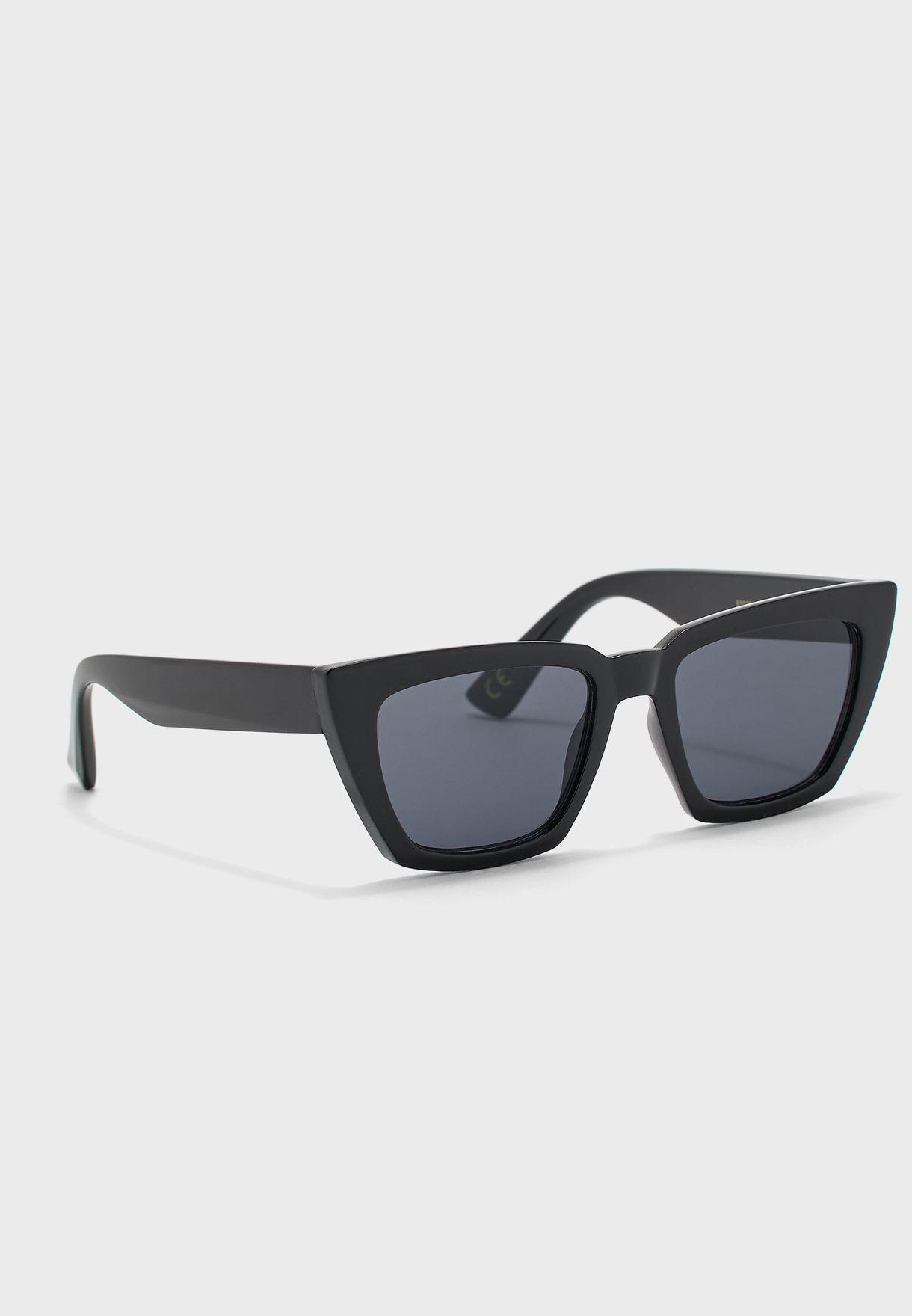 نظارة شمسية بوسادات مصبوبة