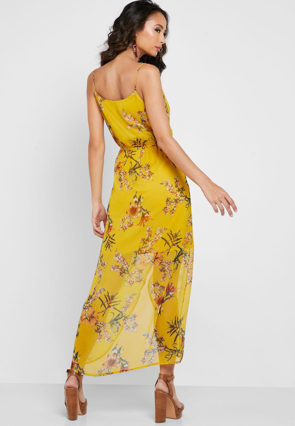 فستان بتصميم ملفوف وطبعات ازهار
