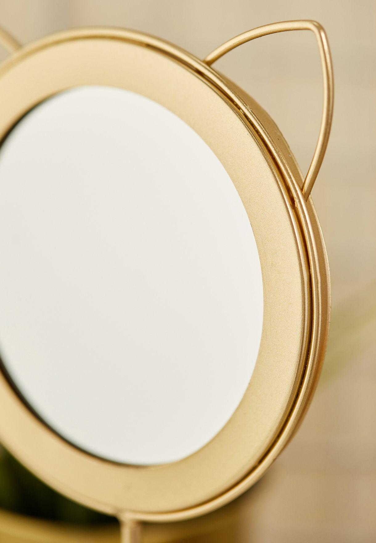 مرآة مزينة بأذني قطة