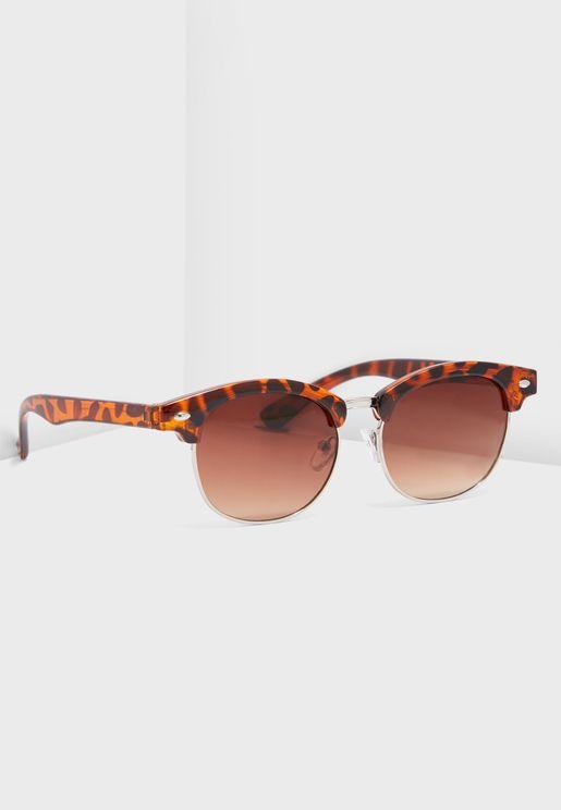 نظارة شمسية بطبعات صدفة السلحفاة