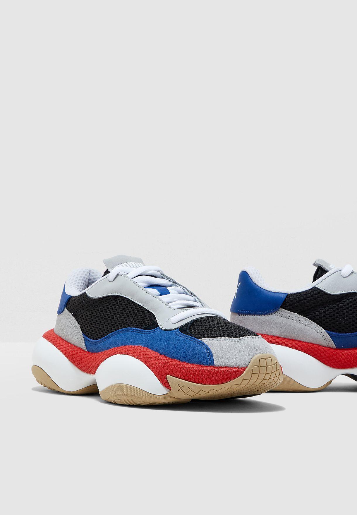 حذاء التريشن كيرف