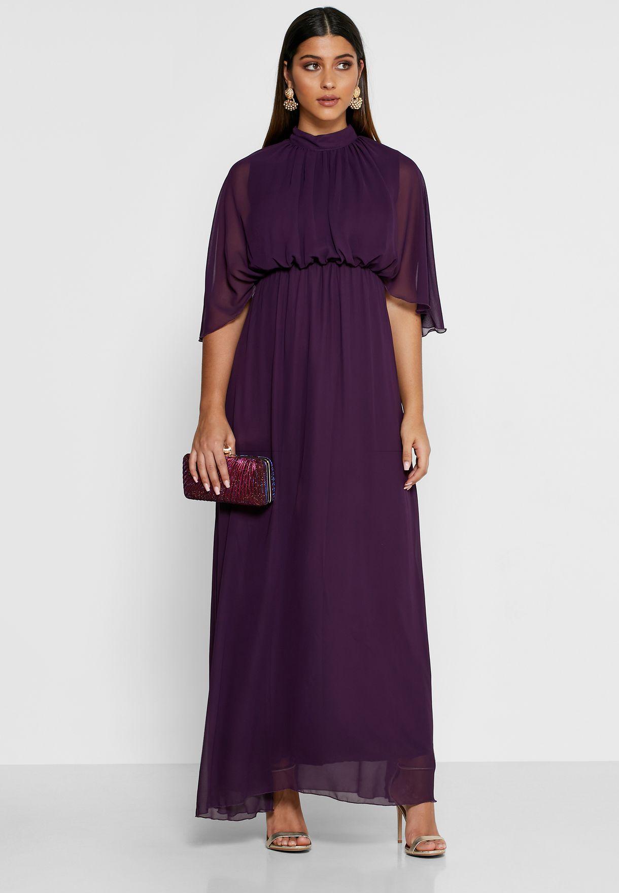 فستان بطبقة كيب